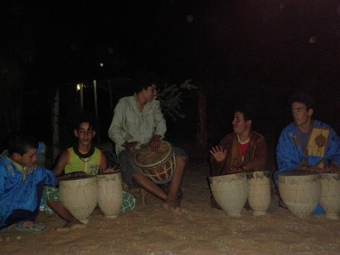 Musicians played the tam-tam during the night