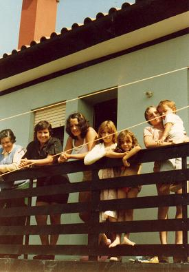 Family gathering at the beach (Lidia and Ginette and the Costa family)