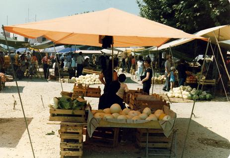 A lot of goods were sold at the market in Cantanhede