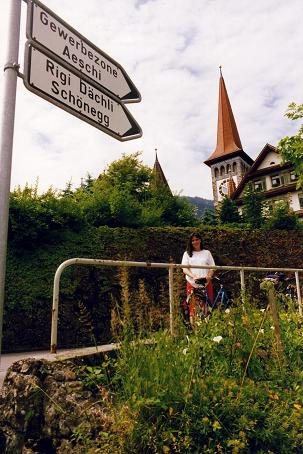 Tara in front of the church of Goldau
