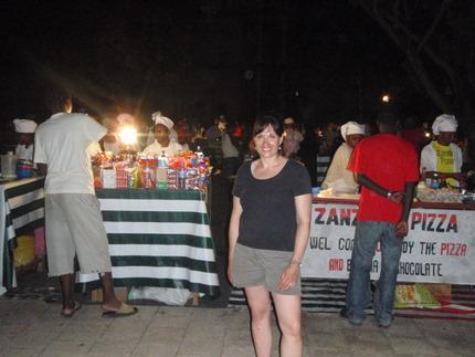 Tara in front of the Forodhani Gardens, she liked the Zanzibar Pizza